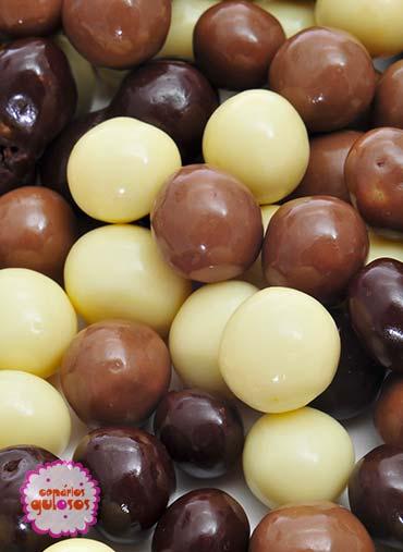 Bolinhas crocantes de 3 chocolates maxi 100gr