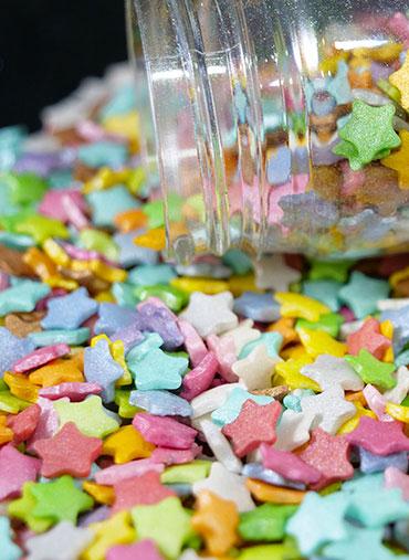 Confettis Estrelas coloridas Médias 70gr