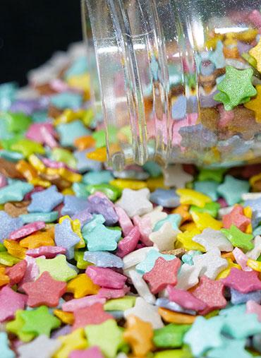 Confettis Estrelas coloridas Médias Kg